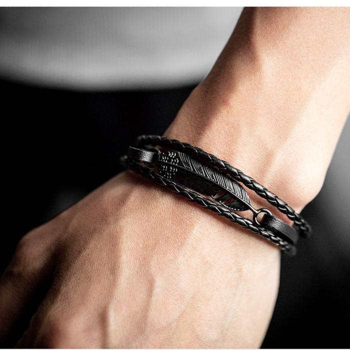 Плетеный браслет из кожи с металлической вставкой в виде пера PLB-03